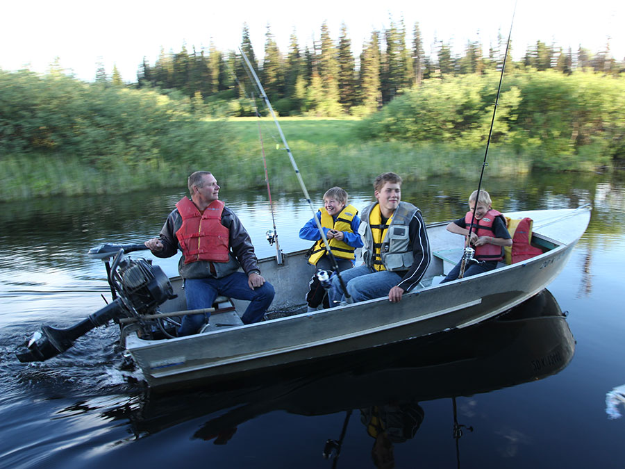 Fishing Resort, Boating and Fishing with Dad